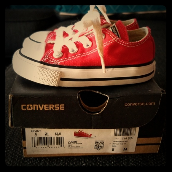 48d1e4954b7d35 Converse Other - Red baby converse